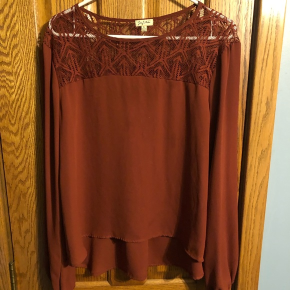 Lily White Tops - SUPER CUTE LONG SLEEVE